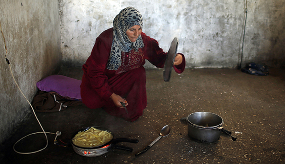 Gaza's Women use the Internet to Sell Homemade Meals