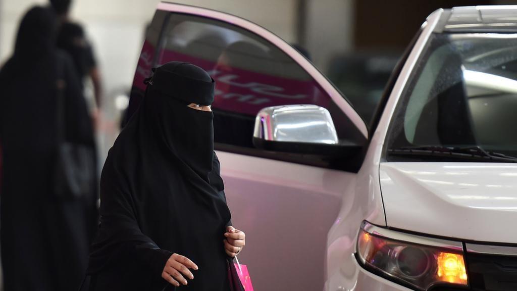 wo02-saudi-driving